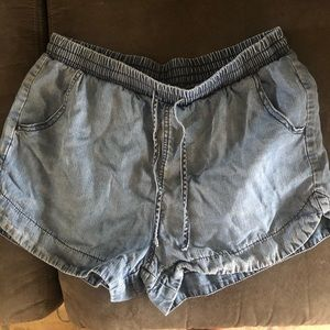 Flowy shorts that look like jean material